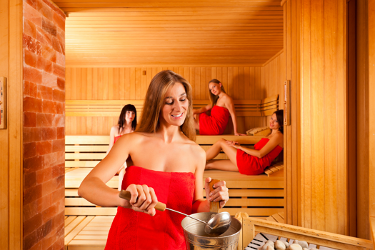 Wichtig: Achten Sie auch beim Aufguss auf andere Sauna-Gäste