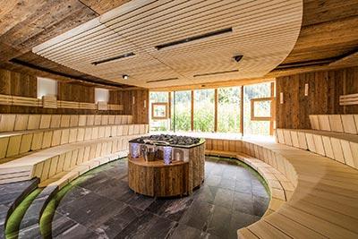 Unter Anderem in dieser Sauna wird bei der Sauna-EM aufgegossen | Foto: quellenhof.it